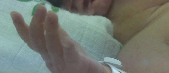 """Actrice britannique: """"Les services sociaux israéliens ont volé mon bébé"""""""