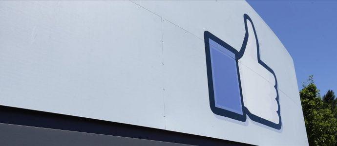 Facebook admet écouter les conversations de ses utilisateurs