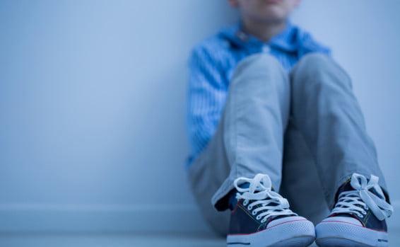 un garçon de 14 ans agresse sexuellement un autre garçon de 6 ans