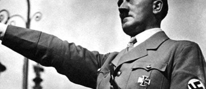 Il fait le salut nazi devant une synagogue en Ecosse