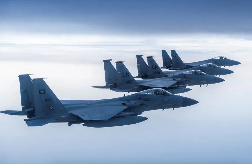en Syrie, en Irak  l'arabie saoudite et Israël attaquent l'Iran