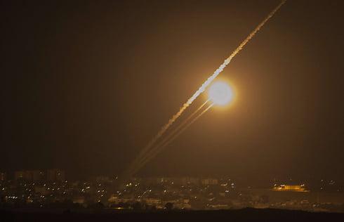 L'armée israélienne attaque deux positions du Hamas