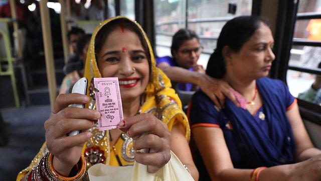 Dans le bus à Delhi. La ville qui enregistre le plus de viols de femmes au monde