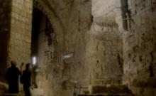Il aurait été construit il y a 800 ans par des Templiers afin de faire passer discrètement leur trésor dans le poste de garde. [©Capture d'écran Youtube]