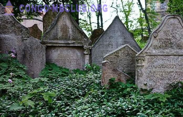 Pierres tombales juives à Prague