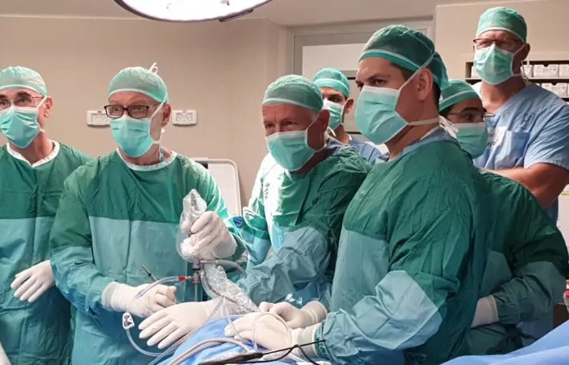 Le premier implant de ménisque artificiel au monde réalisé en Israël