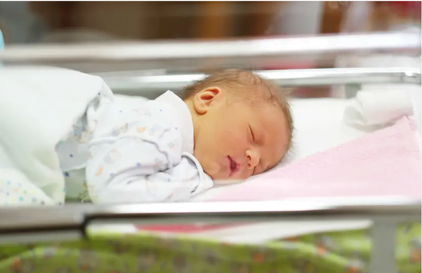 Les rabbins du tribunal rabbinique ont rejeté la position selon laquelle le statut juif d'un bébé est déterminé par la mère biologique.