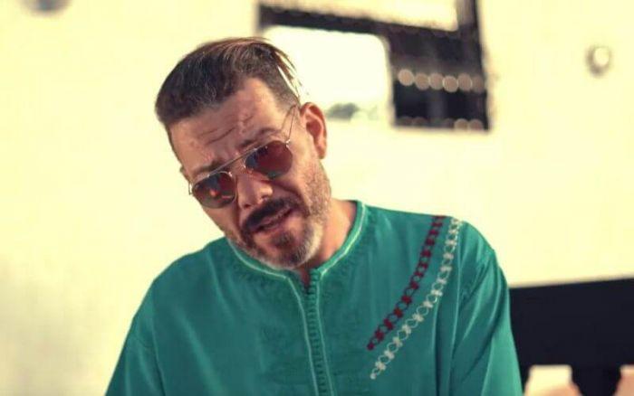 Maroc : quand un chanteur appelle à frapper sa femme (vidéo)