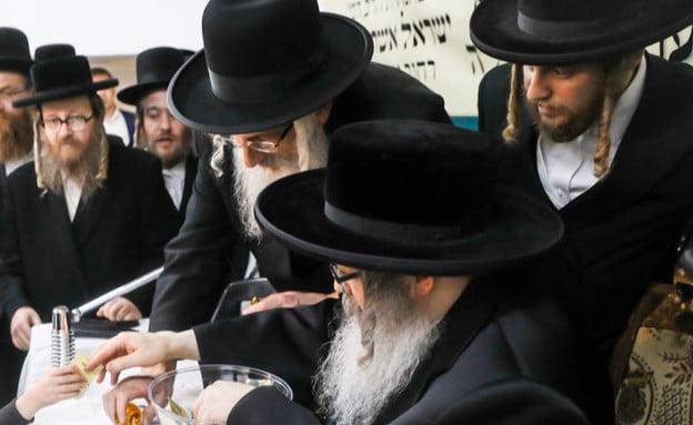 le rabbin anti sioniste Satmar se fait photographier avec les petits fils du premier ministre