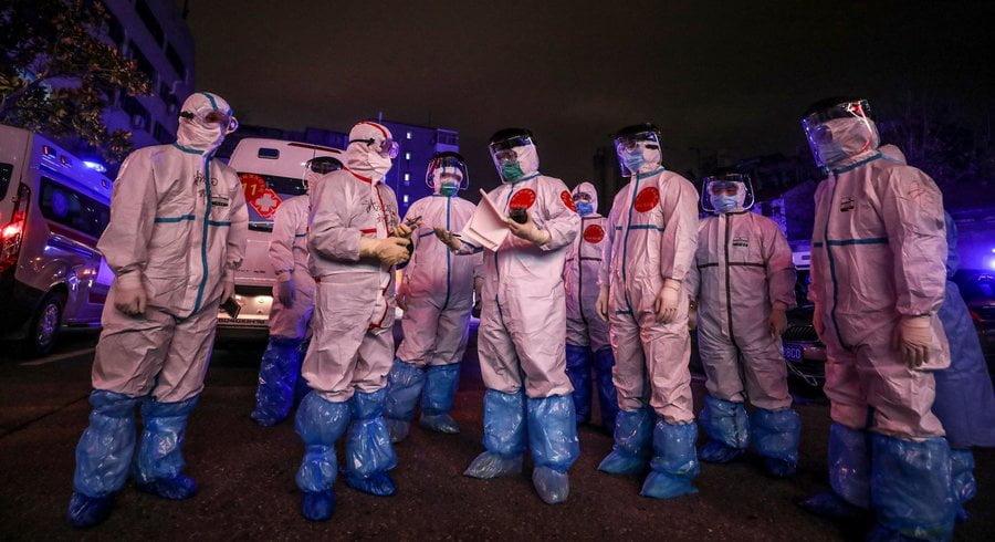 Une équipe médicale à Wuhan le 3 mars. — © AFP