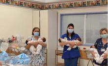 Baby boom en Israël: cinq paires de jumeaux naissent le même jour à l'hôpital Shaare Zedek