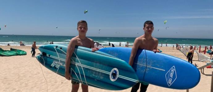 deux jeunes garçons de Bat-Yam ont sauvé un père et ses deux enfants de la noyade