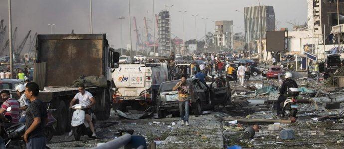 Israël envoie son aide au Liban à ses couleurs, bleu et blanc