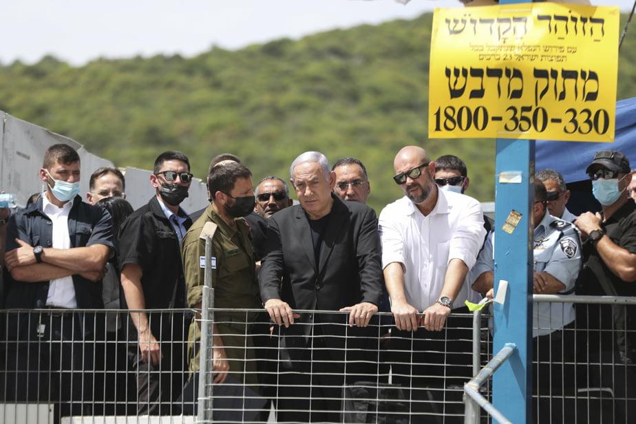 Le premier ministre Benyamin Nétanyahou s'est rendu sur les lieux de la tragédie, vendredi.
