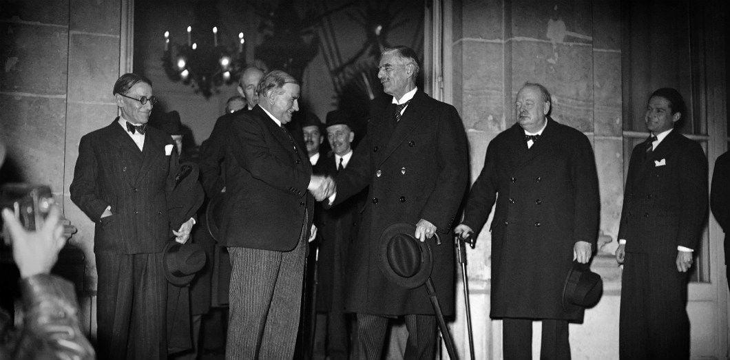 1939-1940: La Grande-Bretagne en guerre adopte une politique antisémite