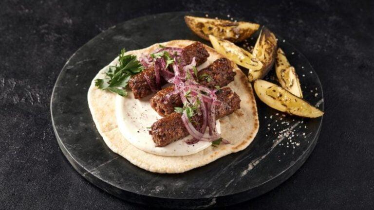 Saucisse, kebab, boeuf haché sans viande font leurs entrée en Israël