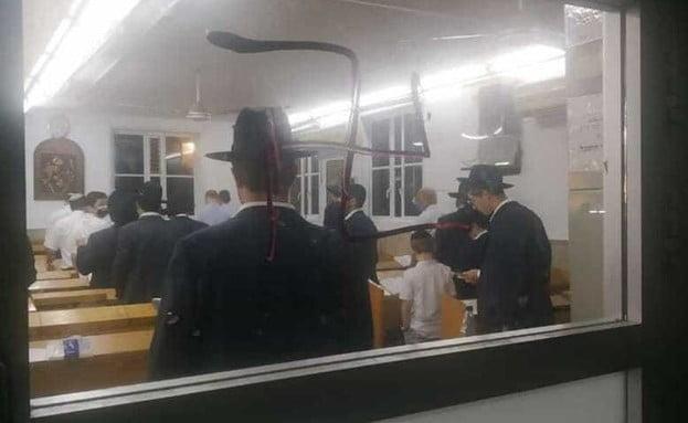 Antisémitisme en Israël: des croix gammées dans deux synagogues à Bnei-Brak -vidéo-