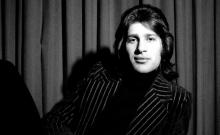 """""""Si maintenant j'oublie mon île – Vies et mort de Mike Brant"""", autopsie d'un chanteur parSerge Airoldi"""