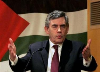 Gordon Brown menace à la Knesset l'Iran de nouvelles sanctions et appelle à la paix