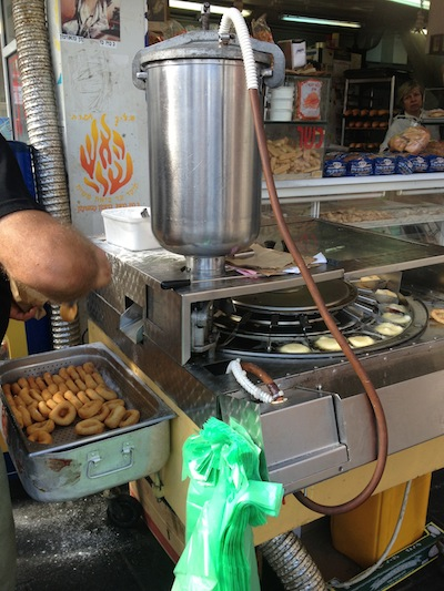 Bat-Yam Israel, la machine à beignets une invention made in Israël !