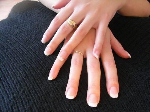 clin d oeil beaut faux ongles r sine ou gel lesquels choisir alliance le premier. Black Bedroom Furniture Sets. Home Design Ideas